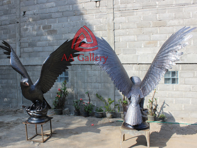 patung elang tembaga 24