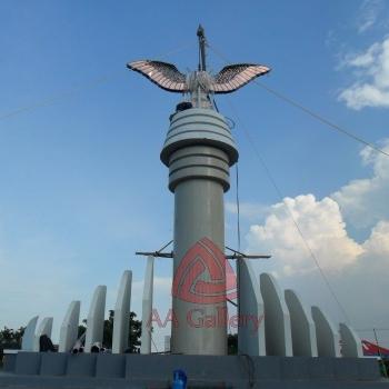 Patung Tembaga Gagak Winangsih